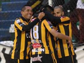 En la imagen, jugadores del equipo The Strongest. EFE/Archivo