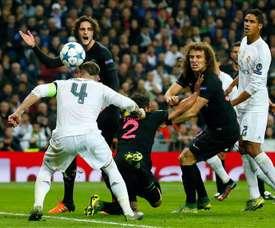 Arsenal want to bring David Luiz and Thiago Silva together. EFE