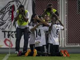 EL Zamora se convirtió en el primer equipo en clasificarse a la liguilla del torneo Adecuación venezolano al golear hoy por 4-0 al Metropolitanos. En la imagen el registro de otra de las celebraciones del Zamora de Venezuela. EFE/Archivo