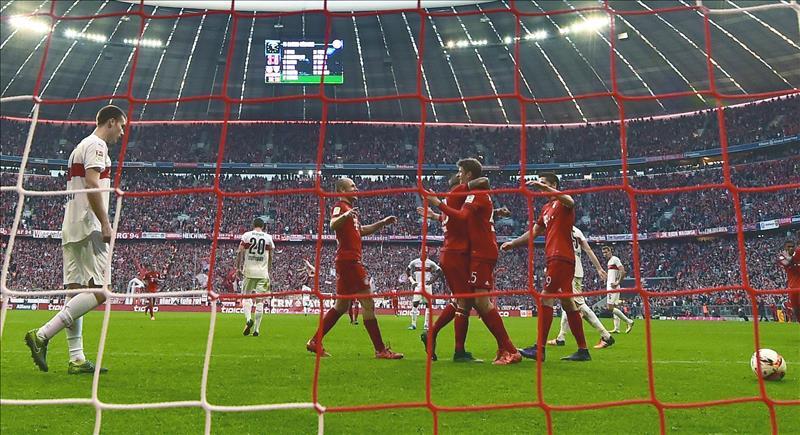 Le Bayern finit sur une défaite, Hambourg relégué — Bundesliga