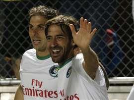 El jugador español Raúl (d) de Cosmos. EFE/Archivo