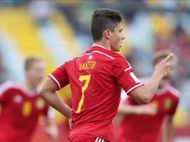 El jugador de Bélgica Dante Vanzeir celebra su gol contra México este domingo 8 de noviembre de 2015, durante un partido por el tercer lugar, en el Mundial de Fútbol Sub17 en el estadio Sausalito en la ciudad Viña del Mar, localidad distante a 120 km. al oeste de Santiago de Chile (Chile). EFE
