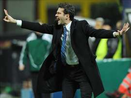The former Inter and Udinese boss faces a baptism of fire in his introduction to Greek football. EFE