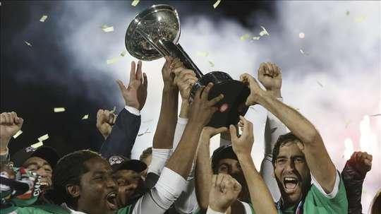 El equipo en el que militaron grandes jugadores, como Raúl o Pelé, ha echado el cierre. EFE