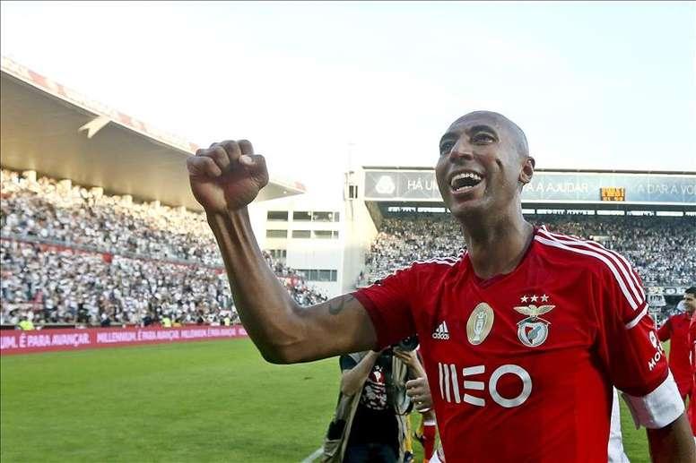 Luisão mostra sua admiração por Jorge Jesus. AFP
