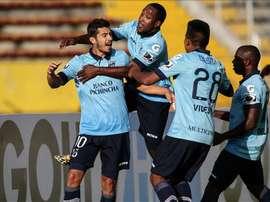 Universidad pasó por encima de Petrolero gracias a los tres goles de Cifuentes. EFE