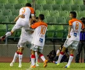 Jugadores del equipo Deportivo La Guaira de Venezuela celebran un gol. EFE/Archivo