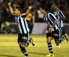 El Melgar y el Real Garcilaso disputarán un partido extra para definir al ganador del torneo Clausura del fútbol peruano. En la imagen un registro de otra de las celebraciones del Real Garcilaso de Perú. EFE/Archivo
