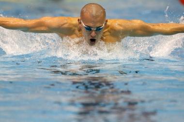 El nadador húngaro Laszlo Cseh durante los  200 mariposa en piscina corta en Netanya, Israel. EFE/EPA