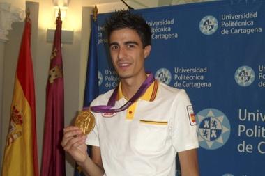 El campeón olímpico de taekwondo en la categoría de 58 kilos, Joel González, estará en Río 2016. EFE/Archivo