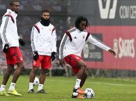 Les joueurs du Benfica Anferson Talisca, Medhi Carcela et Renato Sanches pendant un entraînement. EFE