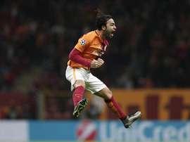 Selcuk Inan de Galatasaray celebra la anotación de un gol ante Astana durante un partido del Grupo C de la Liga de Campeones de la UEFA en Estambul (Turquía). EFE