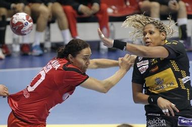La jugadora española Marta Mangué (d)EFE/Archivo
