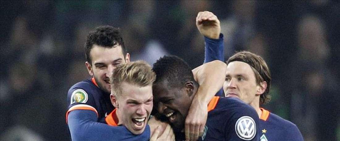 El lateral zurdo se marcha al Ferencvaros en busca de una oportunidad. AFP