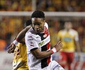 Liga Deportiva Alajuelense fichó a a Álex López. EFE