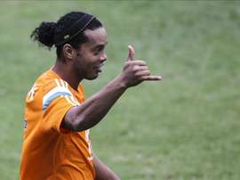 Ronaldinho sigue siendo sinónimo de magia. EFE