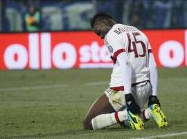 El delantero del AC Milan Mario Balotelli reacciona durante el partido de la Serie A que han jugado Empoli FC y AC Milan en el Carlo Castellani de Empoli, Italia. EFE/EPA