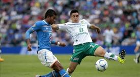El jugador de Cruz Azul pone rumbo a México. EFE/Archivo
