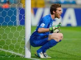 Apenas ha jugado un puñado de partidos en su carrera, pero sentó a Casillas en Champions. EFE