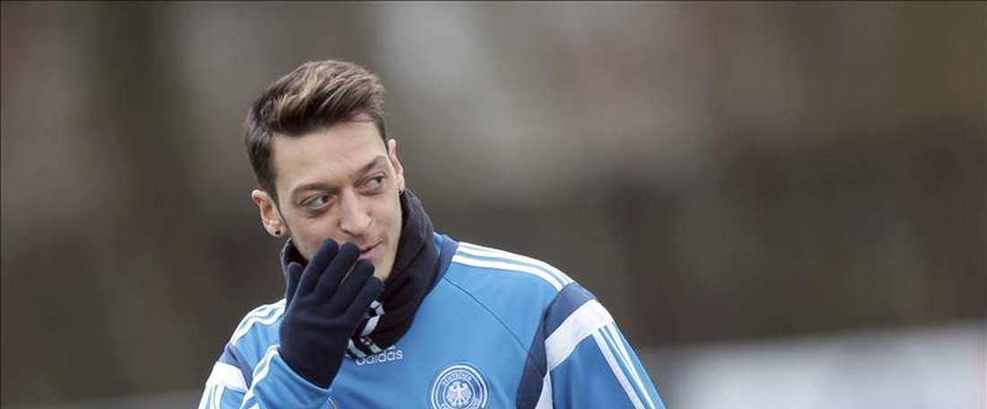 esut Ozil has become the first German player in Euro history to miss a penalty. EFE/Archivo