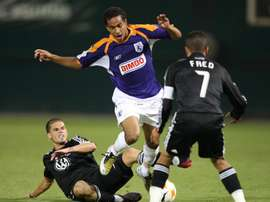 Imagen de archivo del jugador costarricense Alexander Robinson (c). EFE/Archivo