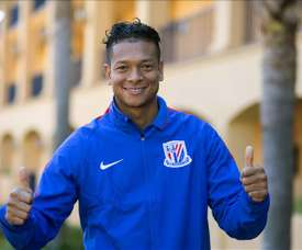 Shanghai Shenhua's Fredy Guarin extends his contract. EFE