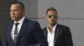 El padre de Neymar niega que la demanda sea nueva. EFE