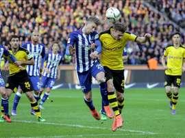 Mitchell Weiser permanecerá en el conjunto germano otras cuatro temporadas. EFE
