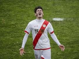 El centrocampista del Rayo Vallecano Jozabed Sánchez celebra un gol marcado en un partido. EFE/Archivo