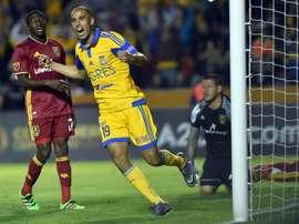 Pizarro fue expulsado en el último partido, pero podría estar frente a León. EFE