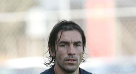 Robert Pires retires at the age of 42. EFE/Archivo
