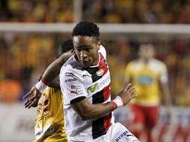 El jugador Jonnathan McDonald, del equipo del Alajuelense durante un partido. EFE/Archivo
