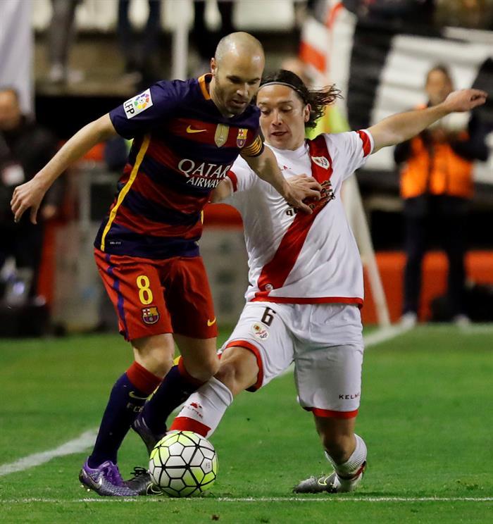 Manuel Iturra, jugador del Rayo Vallecano, sabe que el partido ante el Granada es clave. EFE