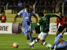 Andrés Pérez se deshizo en elogios hacia Abel Aguilar. AFP