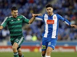 Asensio acabó tocado el partido contra el Betis. EFE