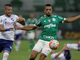 Fiorentina pode pagar R$ 27 milhões para tirar Vitor Hugo do Palmeiras. EFE