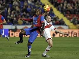 El Levante se la juega ante el Athletic con la única baja de Simao Mate. EFE/Archivo