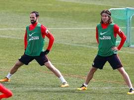 Juanfran et Felipe, deux Colchoneros en attente. EFE