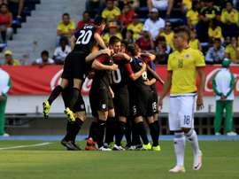 Los jugadores de Estados Unidos celebran un gol ante Colombia durante su partido de ida por el repechaje para los Juegos Olímpicos Río 2016, este 25 de marzo de 2016, en Barranquilla (Colombia). EFE