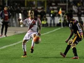 Andrade estará en el once inicial de River y jugará junto a su ídolo D'Alessandro. EFE/Archivo