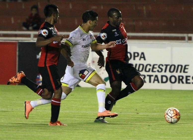 Colo Colo le endosó cuatro goles a su rival. EFE/Archivo