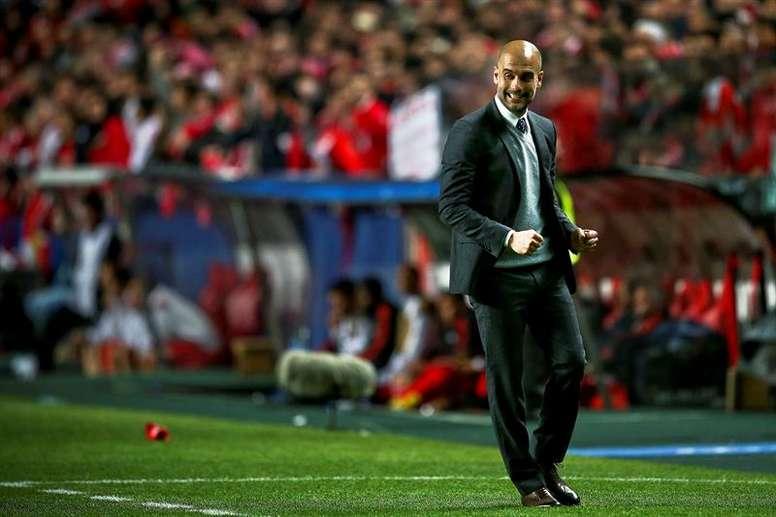 Pep Guardiola estaría pensando en tres jugadores del Arsenal para reforzar el Manchester City. EFE