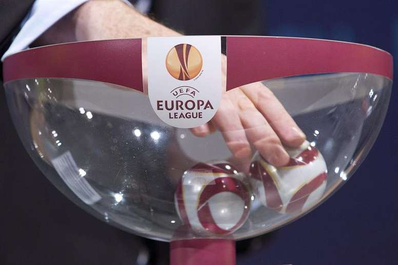 Estos son los bombos del sorteo de la Europa League. EFE