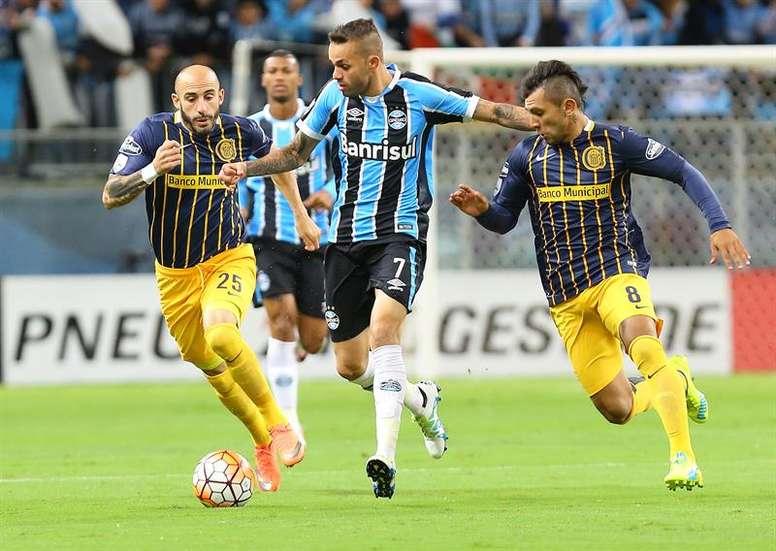 Rosario Central certificó su pase a cuartos de final a costa de Gremio.EFE