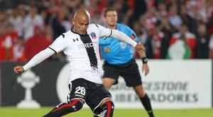 ¡El 'Chupete' Suazo vuelve al fútbol profesional!. EFE