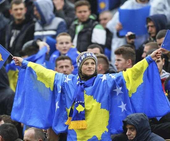 Kosovo logró su primer triunfo oficial. EFE