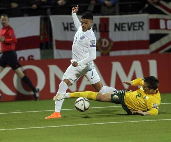Le football s'arrête aussi en République Tchèque, Danemark, Roumanie, Suisse et Lituanie. EFE/Archiv
