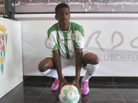 Patrick Ekeng passed away whilst playing a game for Dinamo Bucharest. EFE/Archivo