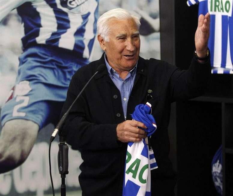 Arsenio Iglesias, más que agradecido por su triple nombramiento. EFE