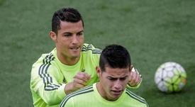 Cristiano Ronaldo terá pedido a James para assinar pela Juve. EFE